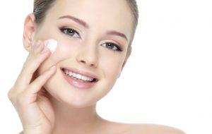 Kem dưỡng ẩm có tác dụng trắng da
