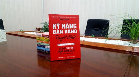 Cách chọn sách về bán hàng cho dân sale