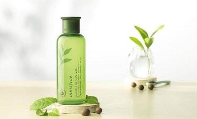 Nước hoa hồng Innisfree Green Tea Moisture Skin