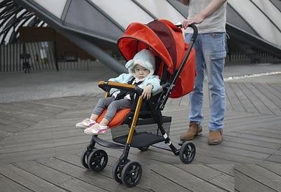 xe đẩy em bé combi urban