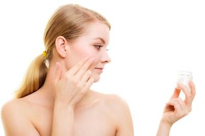 cách sử dụng serum trị mụn hiệu quả trắng da