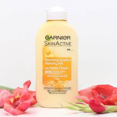 Nước tẩy trang Garnier 7