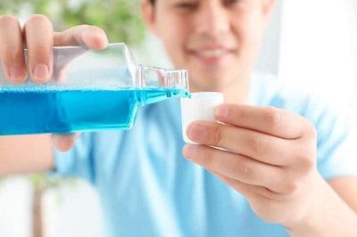 Nước súc miệng Chlorhexidine